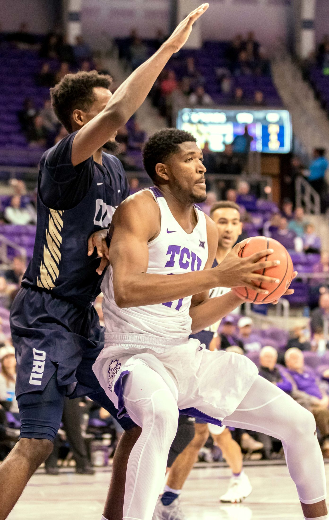 Kevin Samuel's career day powers No. 20 Men's Basketball past Oral Roberts, 79-62