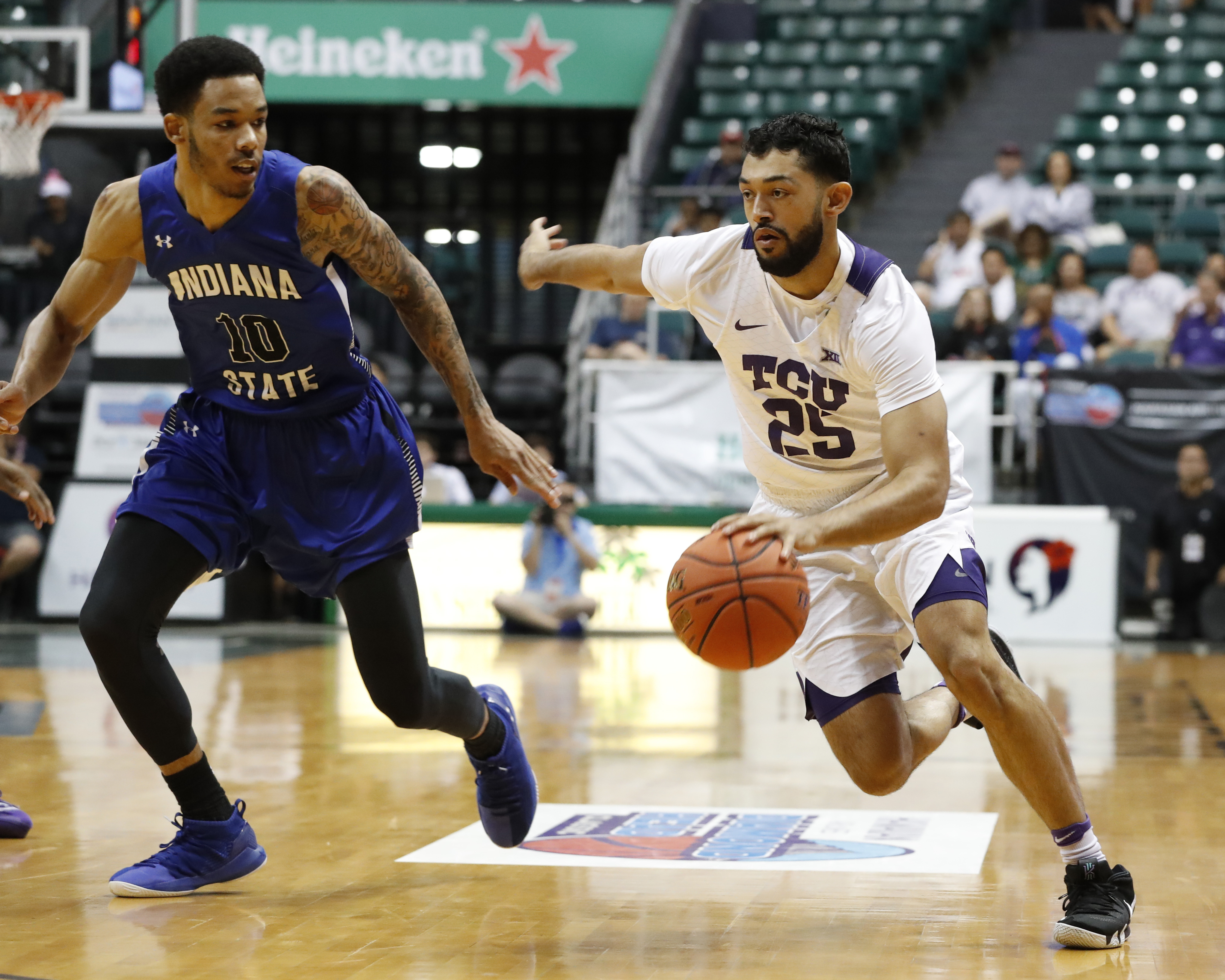 Robinson named Most Outstanding Player of Diamond Head Classic as Frogs improve to 11-1