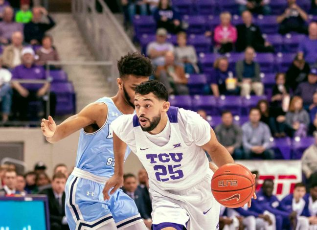 Men's basketball's defense frustrates Indiana State for fifth consecutive victory