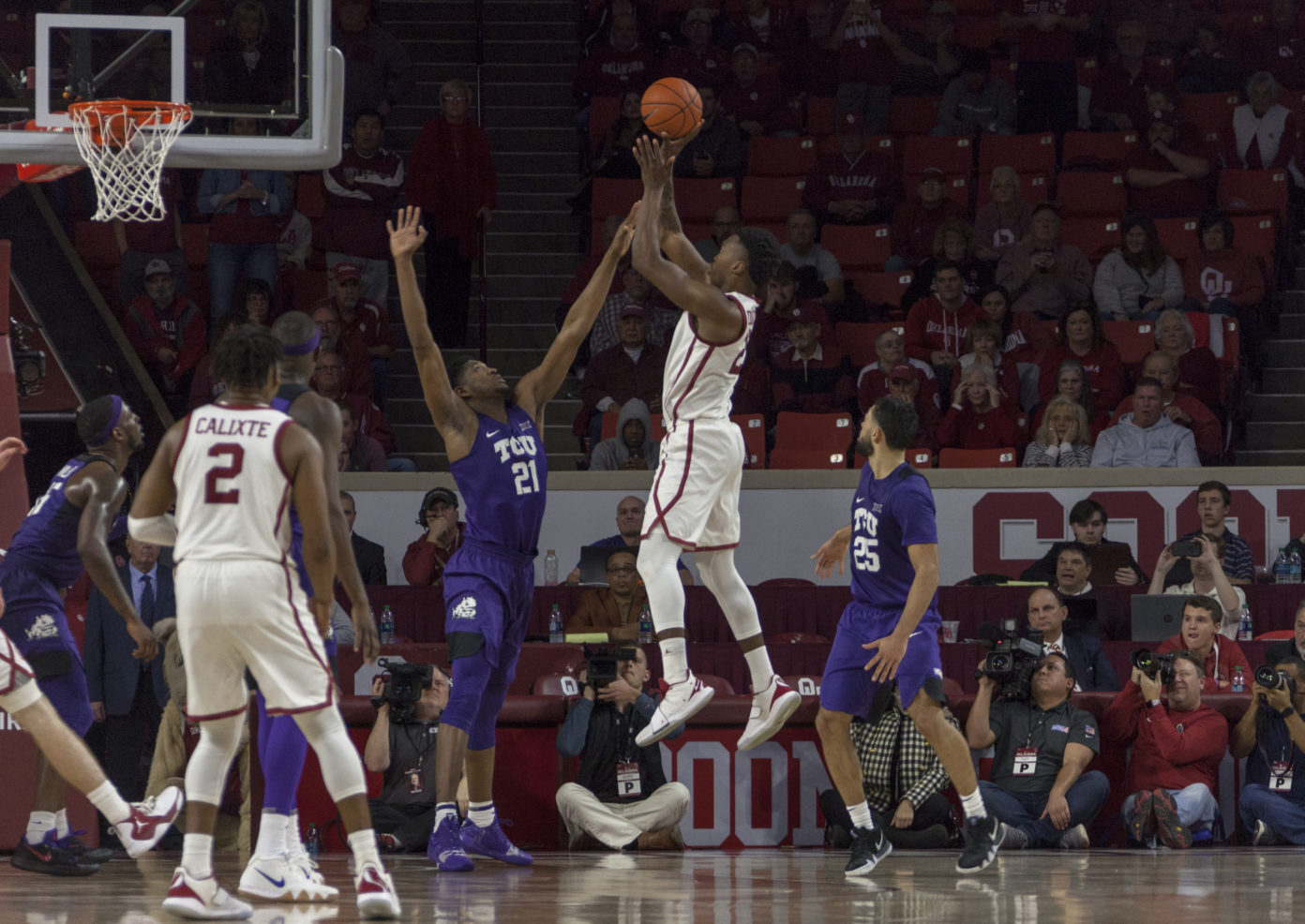 Noi's career-night all for naught against No. 23 Oklahoma, 76-74